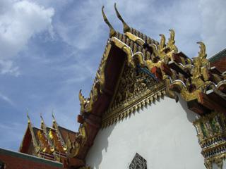 タイのお寺の建物の屋根