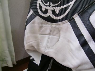 ベリックモタードレーシングスーツをリフレザー11