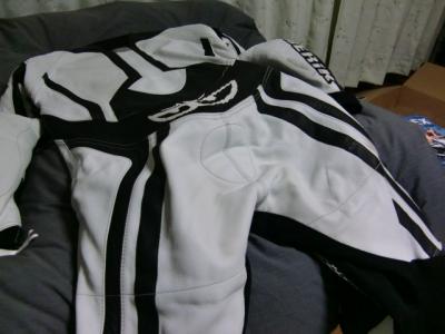 ベリックモタードレーシングスーツをリフレザー13