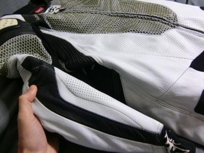 ベリックモタードレーシングスーツをリフレザー18