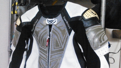 ベリックモタードレーシングスーツをリフレザー1