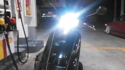 アドレスV100_LEDヘッドライト7