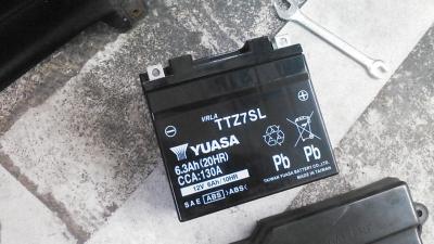 アドレスV100_台湾ユアサバッテリー1