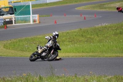 WR250X_奥多摩_袖ヶ浦フォレストレースウェイ1