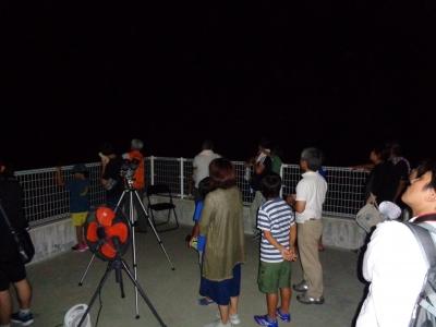 天文台テラスで「夏の星空」と「ペルセウス座流星群」を観察