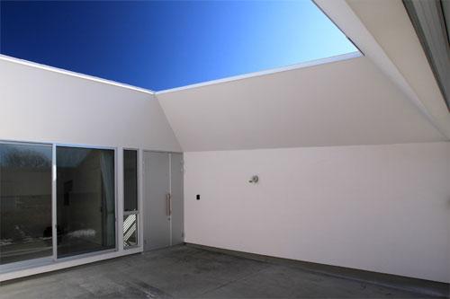 群馬県 館林市 建築家 建築設計事務所 中庭 白い家 かっこいい シンプル ネイルサロン モダン