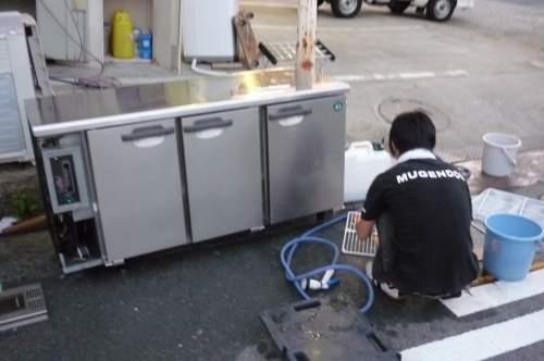 新入部員の洗い姿