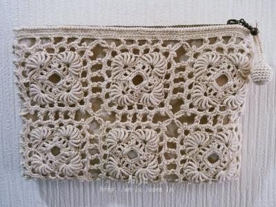 コイル編みのポーチ1