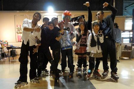 2011.01.09:TOKYO ROLLER DISCO at DIFFER ARIAKE @ディファ有明;スラロームバトルの出場者一堂
