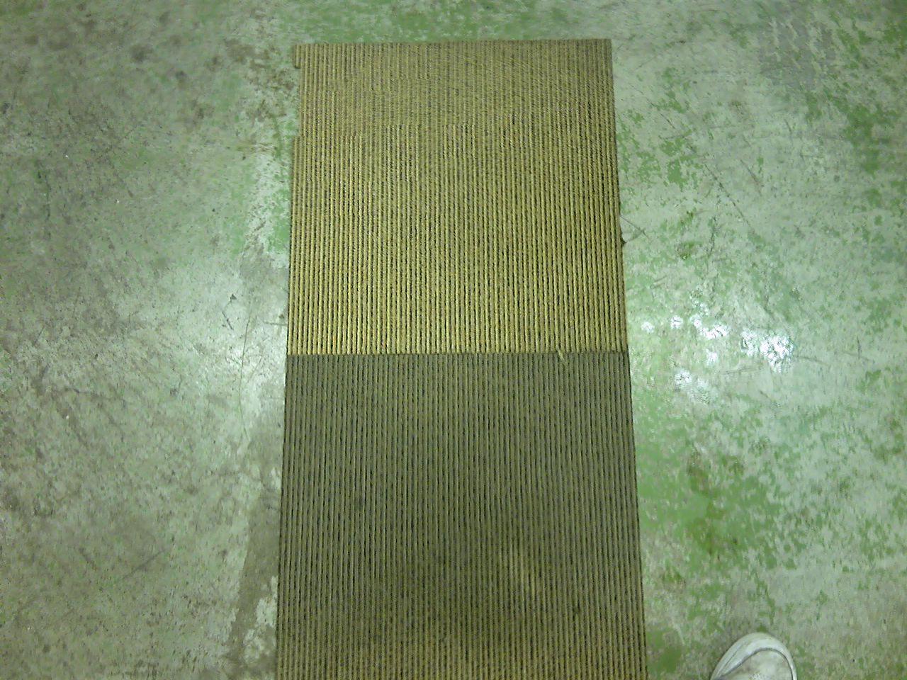 タイルカーペット汚れ比較