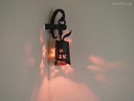 鍛鉄ランプ
