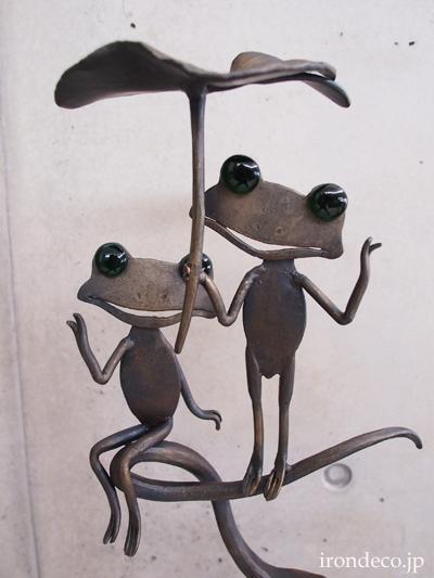 ロートアイアン/鍛鉄・カエルの傘立て
