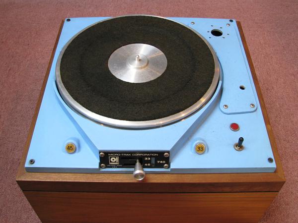 MICRO-TRACK 740