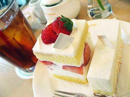 アテスウェイ アテスエ ケーキとアイスティ