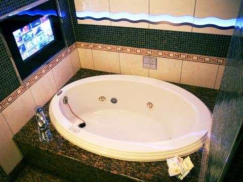 ラブホ La Festae 浴槽