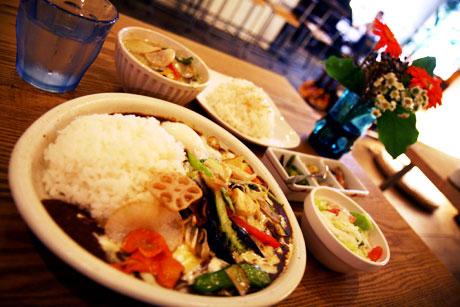 momo curry モモカレー 野菜カレー スープカレー グリーンカレー