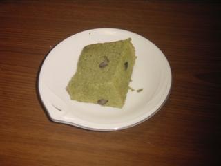 切ったシフォンケーキ