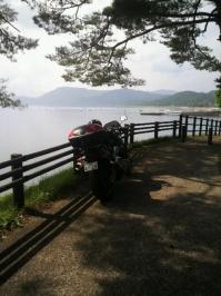 木陰のバイク