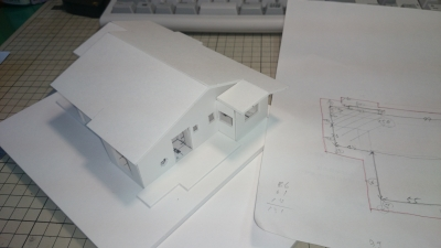 模型屋根がかかった様子