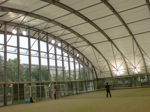 屋外スポーツの全天候型競技場