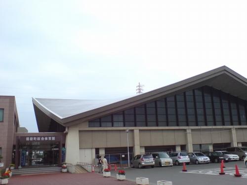 播磨町総合体育館入り口