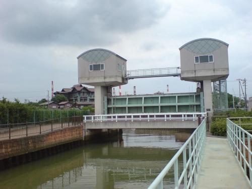 水田川防潮水門全景