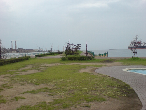 前庭は海へと続いている