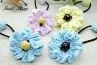 手編みお花のヘアゴム。Angel*Piggy