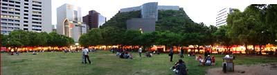 博多どんたくの夕景。天神中央公園は出店でいっぱい!