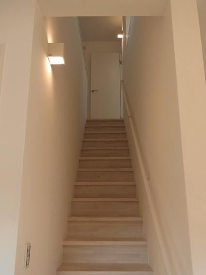 houseco11.jpg