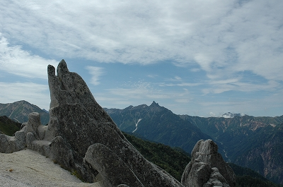 名物イルカ岩