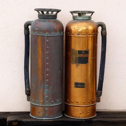 旧泡消火器