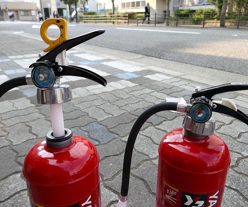 蓄圧式消火器02