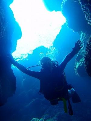 沖縄 ダイビング 一人