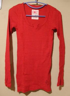 GAP 赤 長袖Tシャツ
