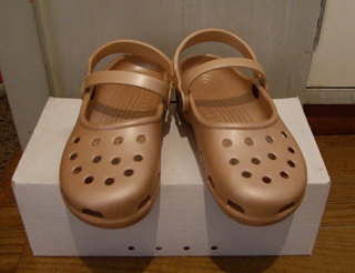 crocs mary jane gold