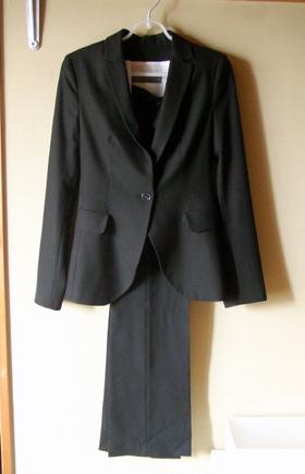 ZAEA 黒スーツ1