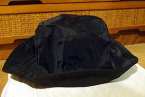 Longchamps 黒レインハット