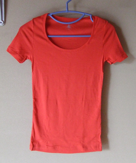 petit bateau 赤Tシャツ