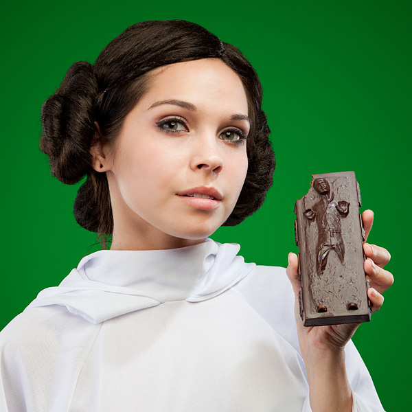 ea87_star_wars_han_solo_in_carbonite_chocolate_bar_inhand