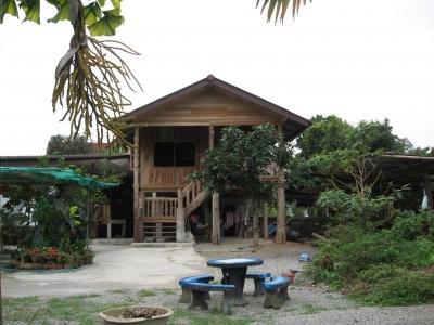 北タイ様式の家01