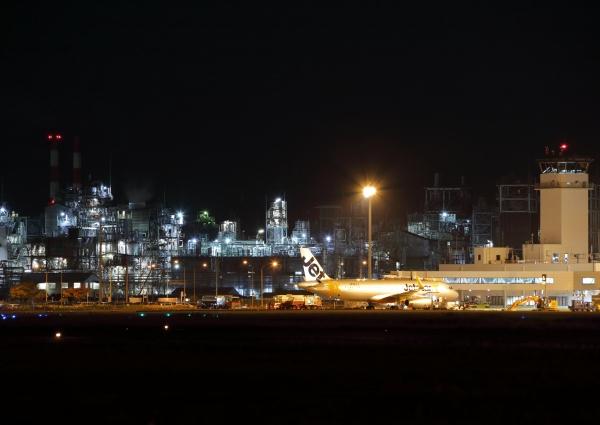 松山空港 工場夜景