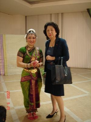 インド舞踊を見てきました。