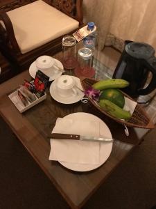 ホテルのお部屋にはウェルカムドリンクとフルーツ,ホテルコンチネンタル