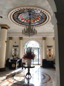 ホテルコンチネンタルロビー