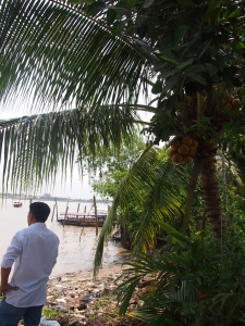 メコン川クルーズの島へ上陸