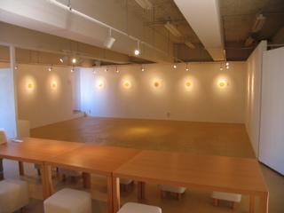 展示会場/真っ白な空間/秋田県秋田市大町ココラボラトリー