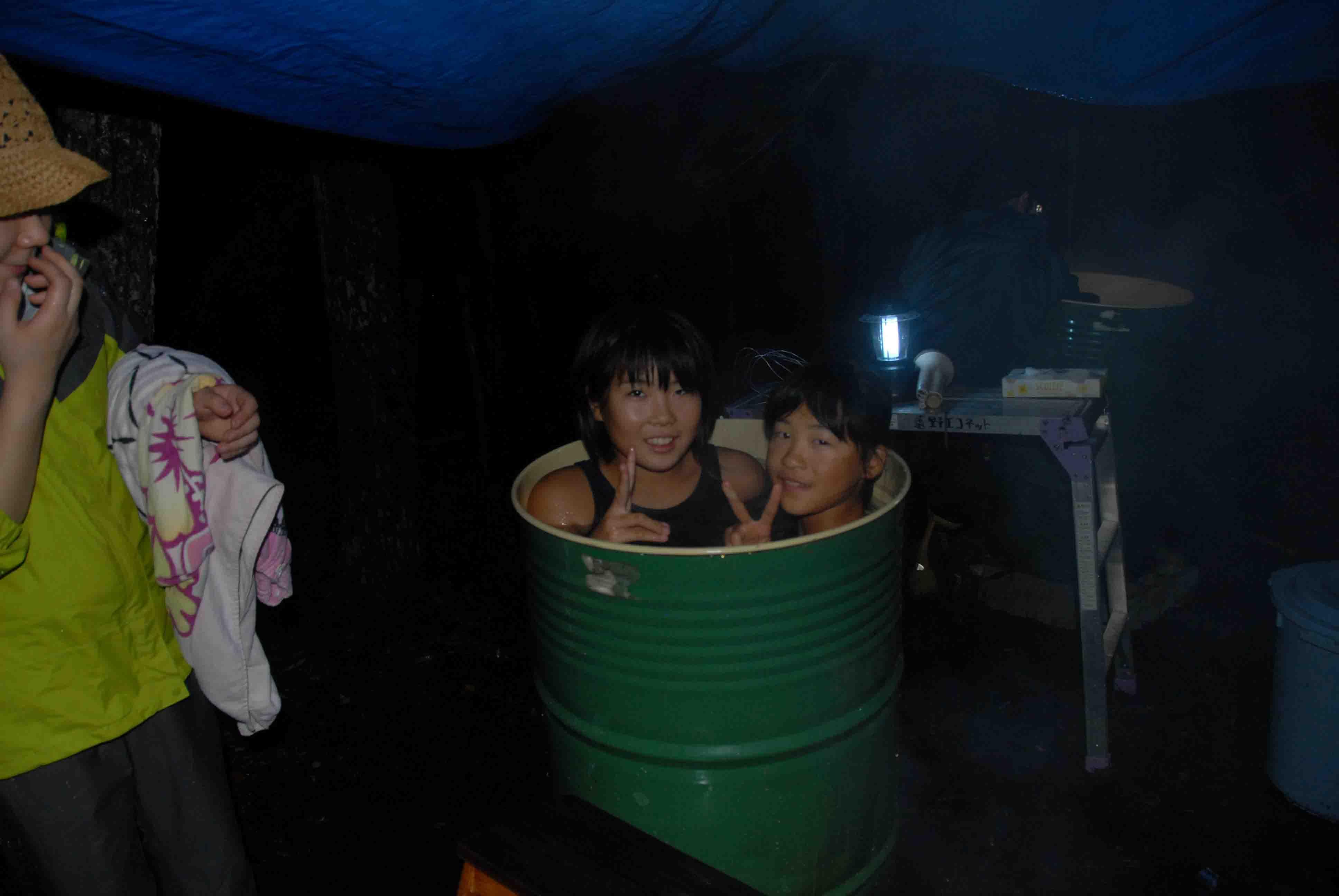 jsドラム缶風呂 裸