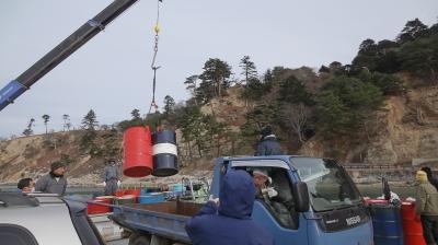 山根漁船ドラム缶運搬