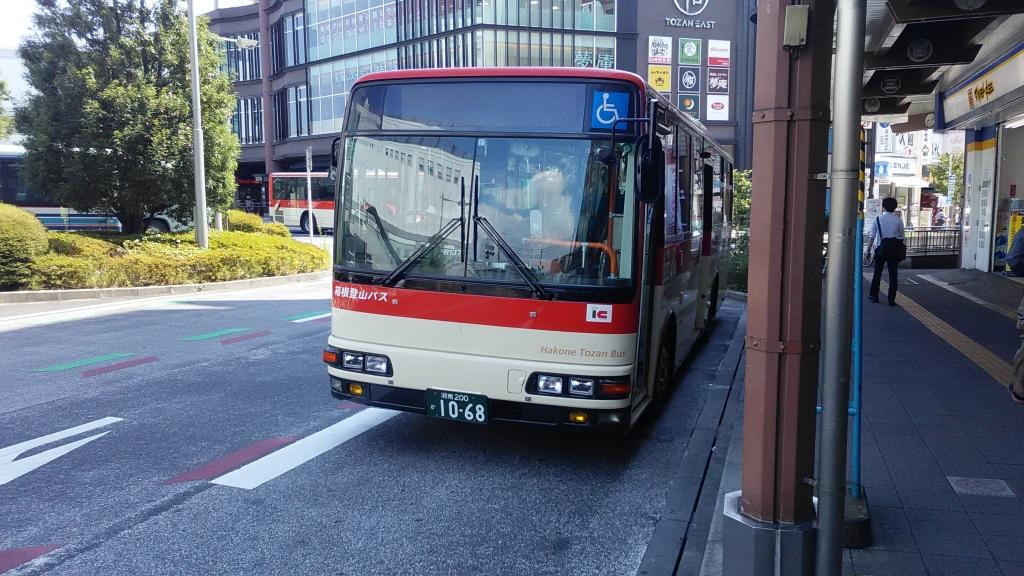 箱根登山バス4